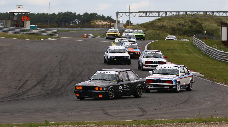 Schriek Motorsport Voor Op Een Grote Groep Rijders In De Bmw E30 Cup