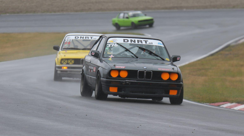 Delano Schriek En Koenraad Schulten Tijdens De 4E Race Van Het Seizoen In De Bmw E30 Cup