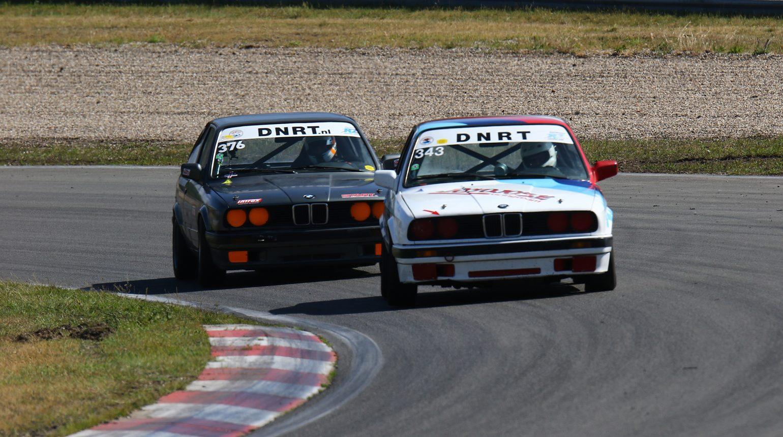 Racen Tot Op De Limiet In De Bmw E30 Cup Tussen Delano Schriek En Jonathan Kreuger